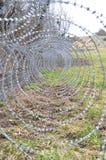 在斯洛文尼亚边界的铁丝网 免版税库存照片