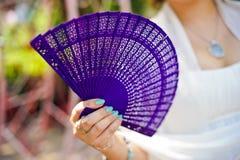 在新娘的紫色爱好者 免版税库存照片