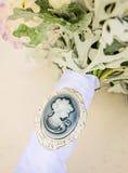 在新娘花束的有浮雕的贝壳 免版税库存图片