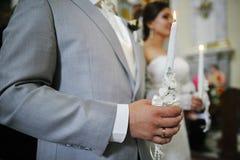 在新婚佳偶hads的蜡烛  库存图片