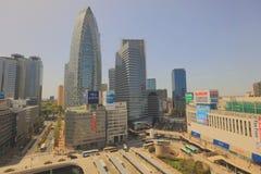 在新宿摩天大楼的日本都市风景 库存图片