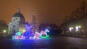 在新市镇广场的圣诞节装饰 库存图片