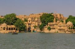 在新德里之间和巴基斯坦,一个desertic区域著名它的城堡、它五颜六色的人民和老练stepwells 库存图片
