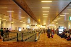 在新德里机场里面的尘暴2014年5月30日 免版税库存图片