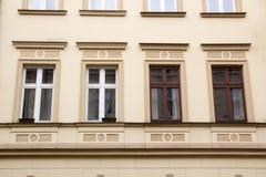 在新房的门面的Windows 库存图片