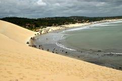 在新生的水晶海海滩 免版税库存照片