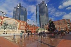 在新的圣丹斯广场的圣诞节时间在沃思堡,得克萨斯 库存图片