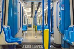 在新的地铁火车里面在蒙特利尔 免版税库存照片