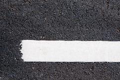 在新的沥青细节的空白线路 免版税图库摄影