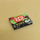 在新的chitose机场免税店的日本甜点快餐 库存图片