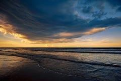 在新的Smyrna海滩的暴风云 库存图片