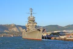 在新罗西斯克港的军舰  库存照片