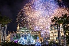 在新年庆祝期间的蒙地卡罗赌博娱乐场 免版税库存图片