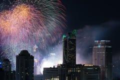 在新年读秒事件的烟花在曼谷泰国 库存照片
