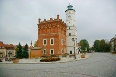 在方形的市场上的城镇厅 免版税库存照片
