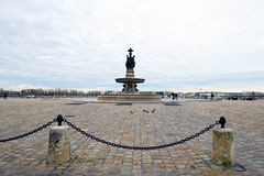 在方形的de la Bourse,红葡萄酒,法国的看法 免版税库存图片