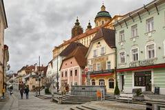 在方形的Rathausplatz附近的中世纪大厦 Melk,下奥地利州,欧洲 免版税库存照片