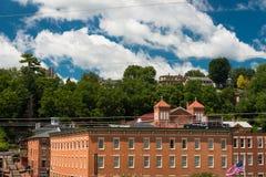 在方铅矿,伊利诺伊街道上的老大厦  免版税库存图片