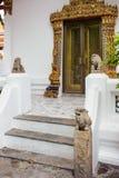 在旅游attractionat的中国石狮子雕象在Wat Pho 库存照片