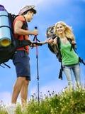 在旅行的夫妇。 免版税库存照片