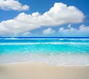 在旅馆区域墨西哥的坎昆Delfines海滩 免版税图库摄影