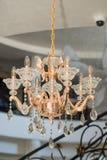 在旅馆的大厅的水晶枝形吊灯在Kranevo,保加利亚 免版税图库摄影