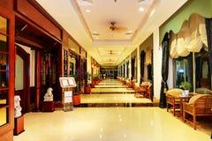 在旅馆餐馆和内部的入口  库存照片