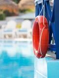 在旅馆水池的Lifebuoy 免版税图库摄影