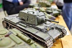 在无线电控制的式样苏联坦克KV-1 免版税库存照片