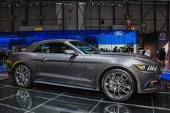 在日内瓦汽车展示会的Ford Mustang敞篷车 免版税库存照片