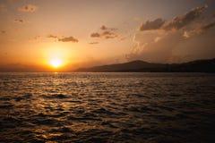在日内瓦湖瑞士的美好的日落 库存照片