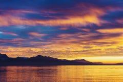 在日内瓦湖的冬天日落 库存图片