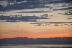 在日内瓦湖,瑞士的美好的日落 免版税库存图片