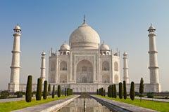 在日出光的Taj Mahal 免版税库存图片