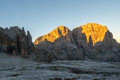 在日出光,意大利的Brenta白云岩 免版税库存照片