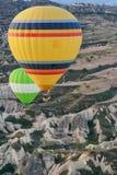 在日出天空的气球剪影 库存图片