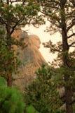 在日出拉什莫尔山国家公园的华盛顿外形 免版税库存照片