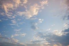 在日出期间的云彩 免版税库存照片