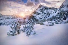 在日出期间的高山 早晨Tatra山风景 库存照片