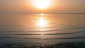 在日出灿烂光辉的海表面  影视素材