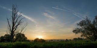 在日出的云彩风景 库存图片