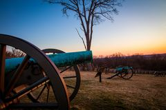 在日出的大炮在葛底斯堡 免版税库存照片