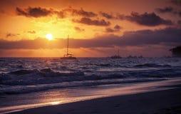 在日出的大西洋 多米尼加共和国 免版税库存图片