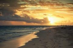 在日出的大西洋 多米尼加共和国 免版税库存照片