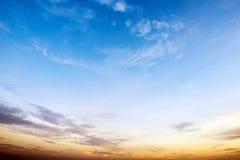 在日出的天空 库存图片