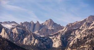 在日出的孤立杉木峰顶视图在阿拉巴马小山 股票视频