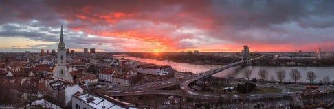 在日出的布拉索夫都市风景 库存照片