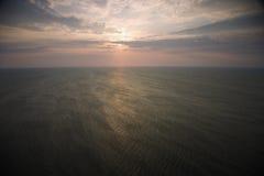 在日出的海洋 免版税图库摄影