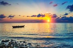 在日出的海洋 库存图片