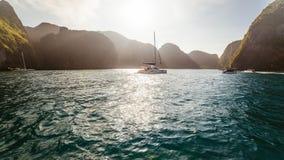 在日出的游艇 库存照片